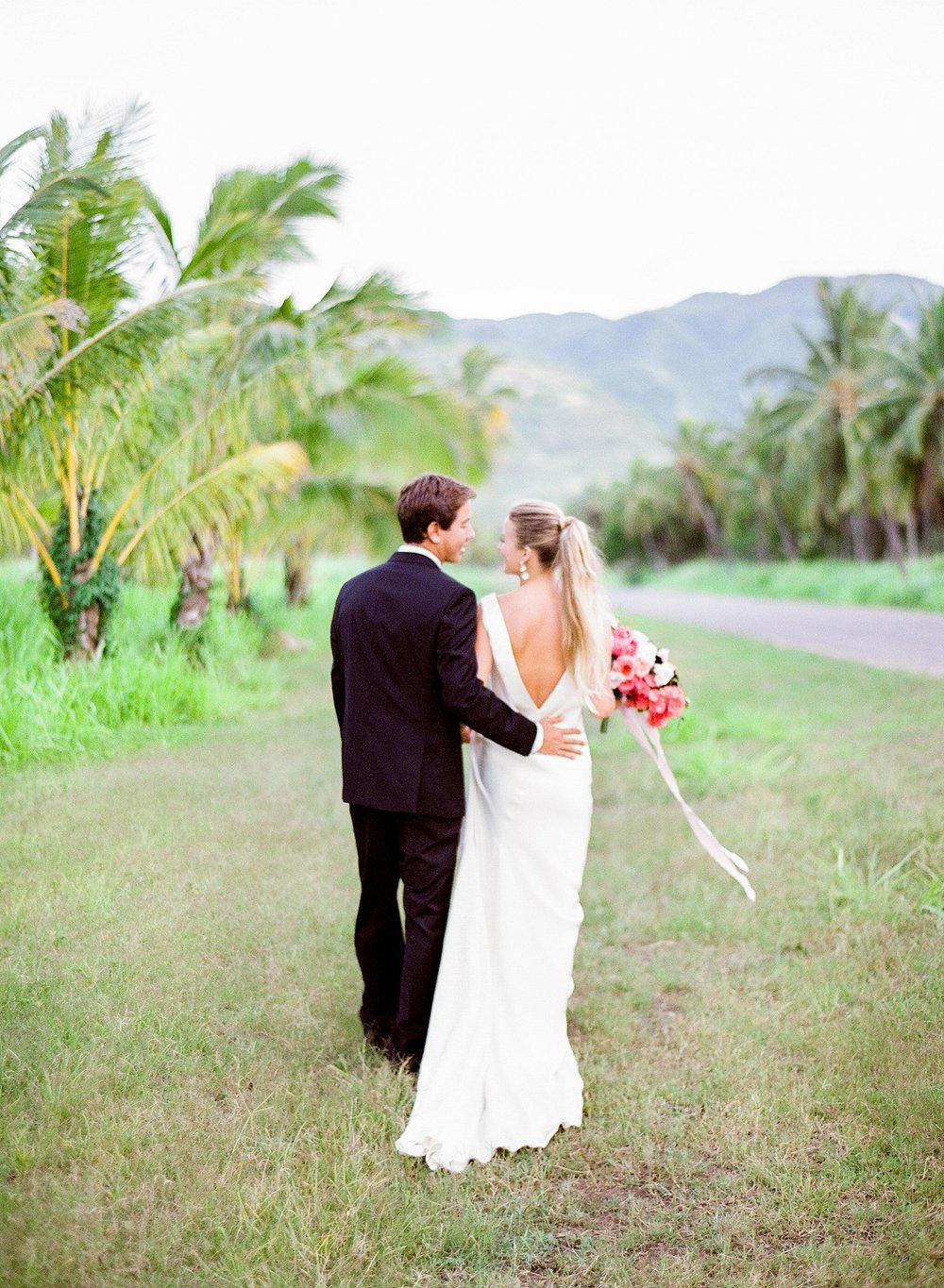 Modern Dillingham Ranch Honolulu Hawaii Wedding_0021.jpg