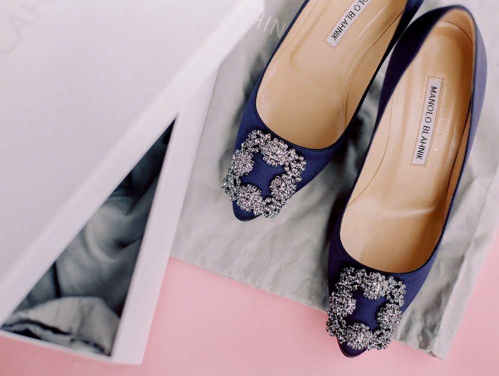 Manolo-Blahnik-blue-crystal-wedding-shoes.jpg