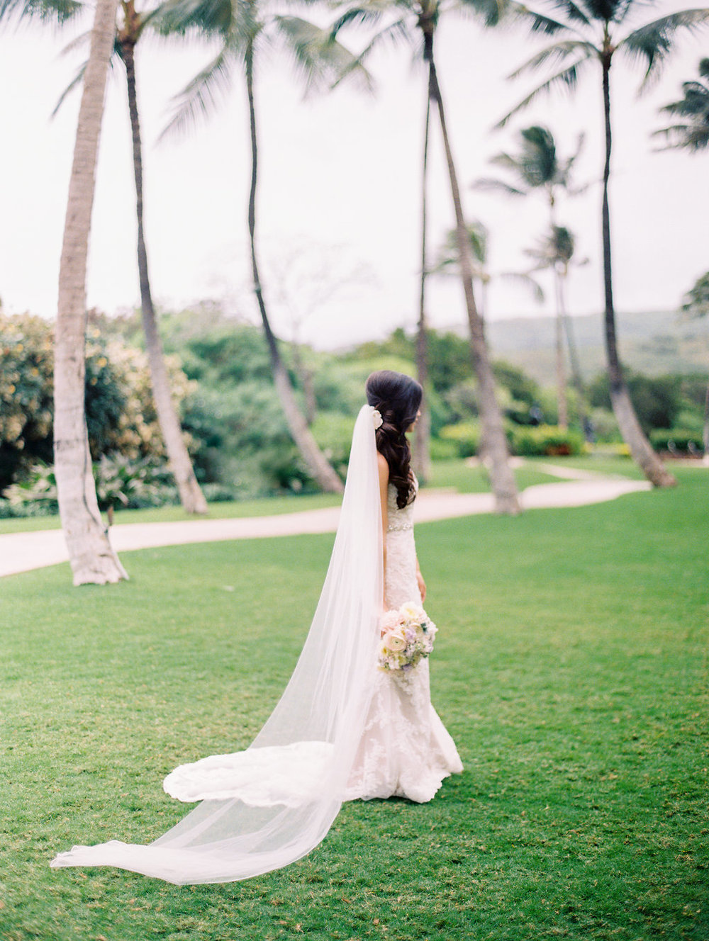 bridal-four-seasons-oahu-wedding-1.jpg