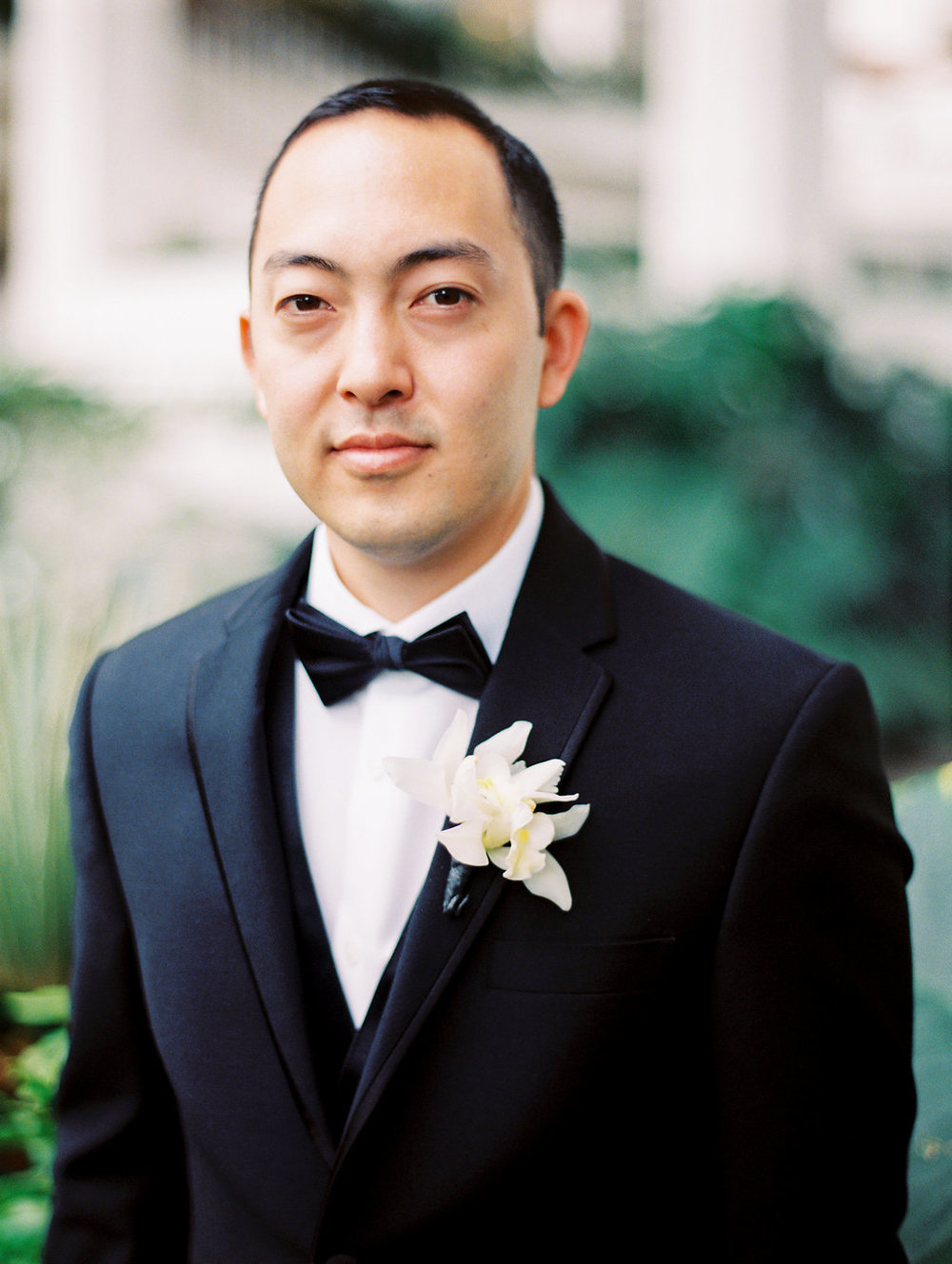 groom-four-seasons-oahu-wedding-1.jpg