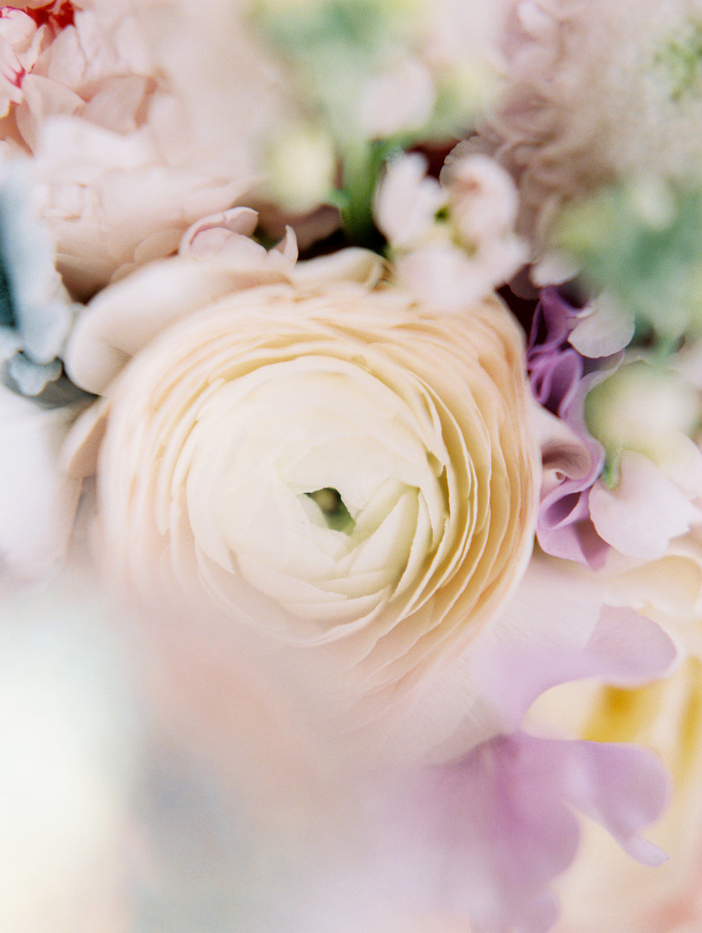 dreamy-colorful-flower-bridal-bouquet.jpg