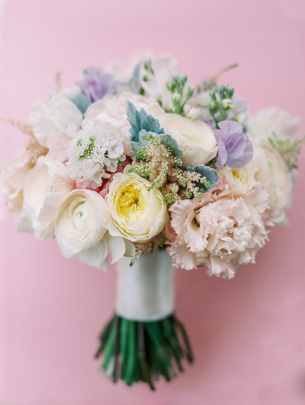 hawaii-bridal-dreamy-colorful-bouquet.jpg
