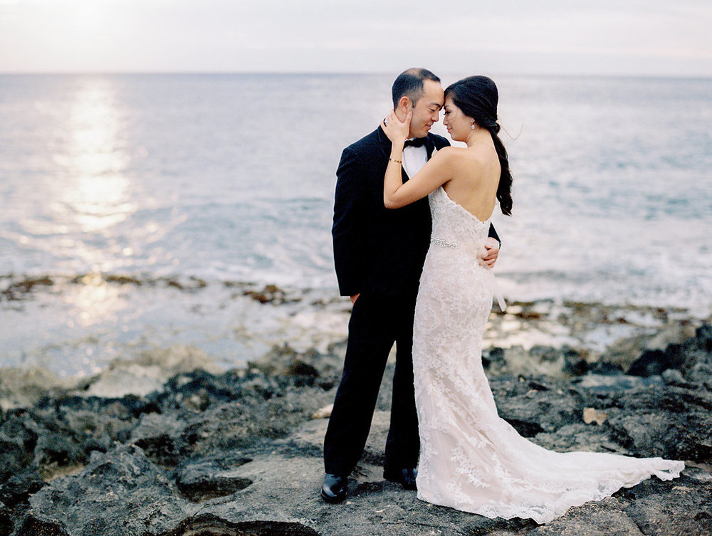 four-seasons-oahu-secret-beach-sunset-wedding.jpeg