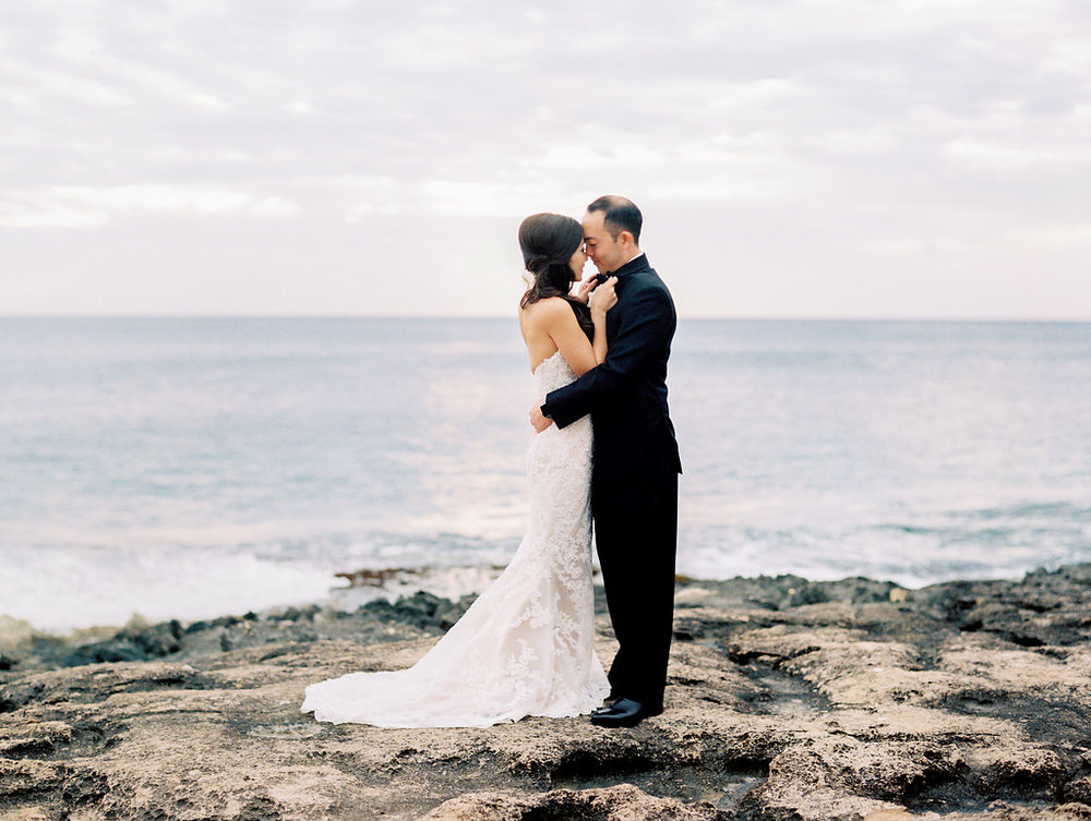 four-seasons-oahu-secret-beach-sunset-wedding-3.jpeg