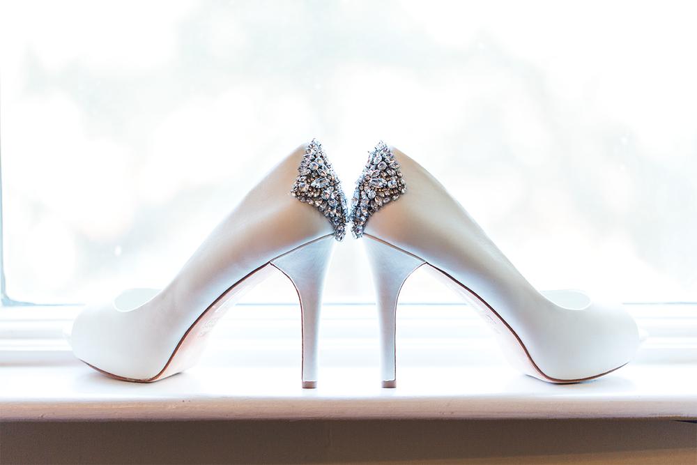 wedding details | bride's heels with diamonds