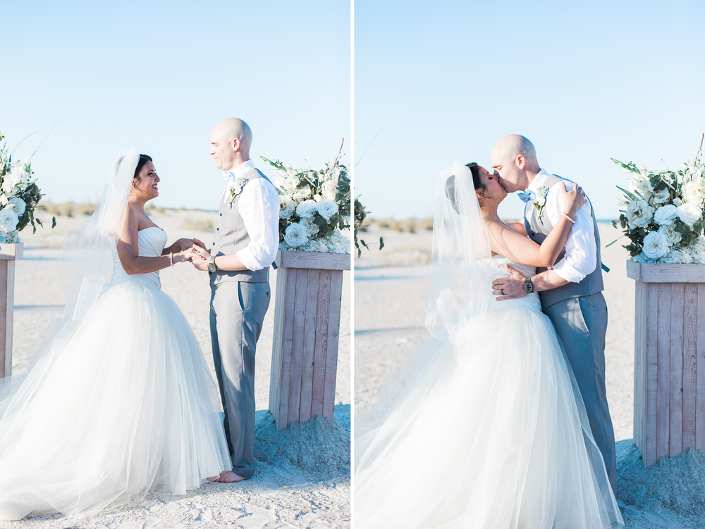 First kiss | wedding ceremony in Anastasia State park, St.Augustine