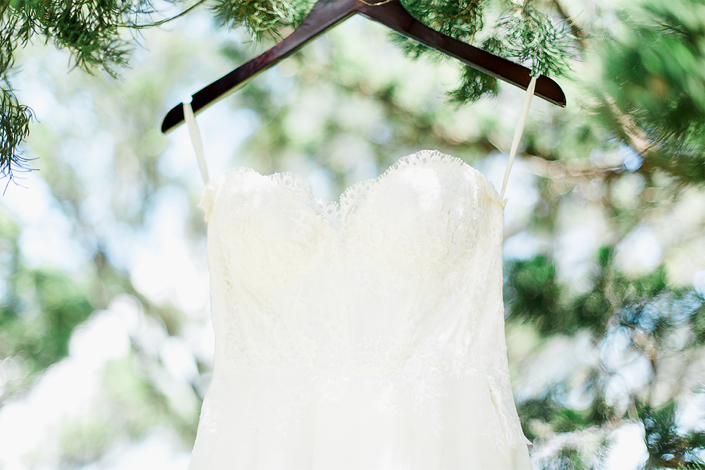 Beautiful wedding dress | Wedding in Driftwood Beach, Jekyll Island, GA