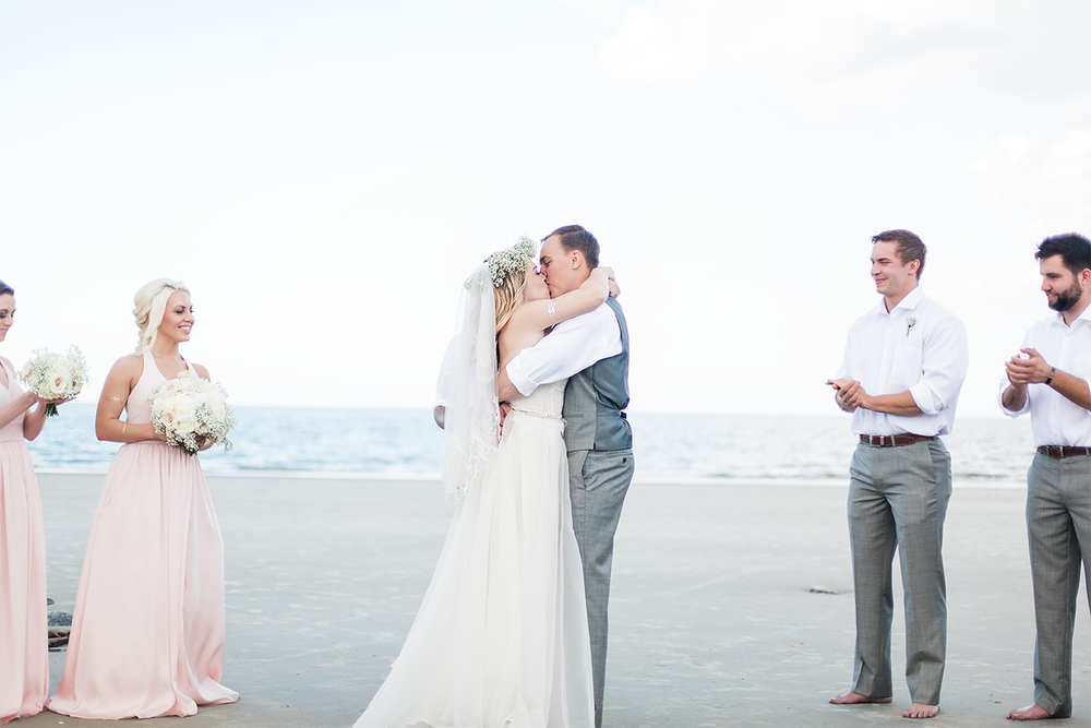 First kiss | Beach wedding in Jekyll Island, GA
