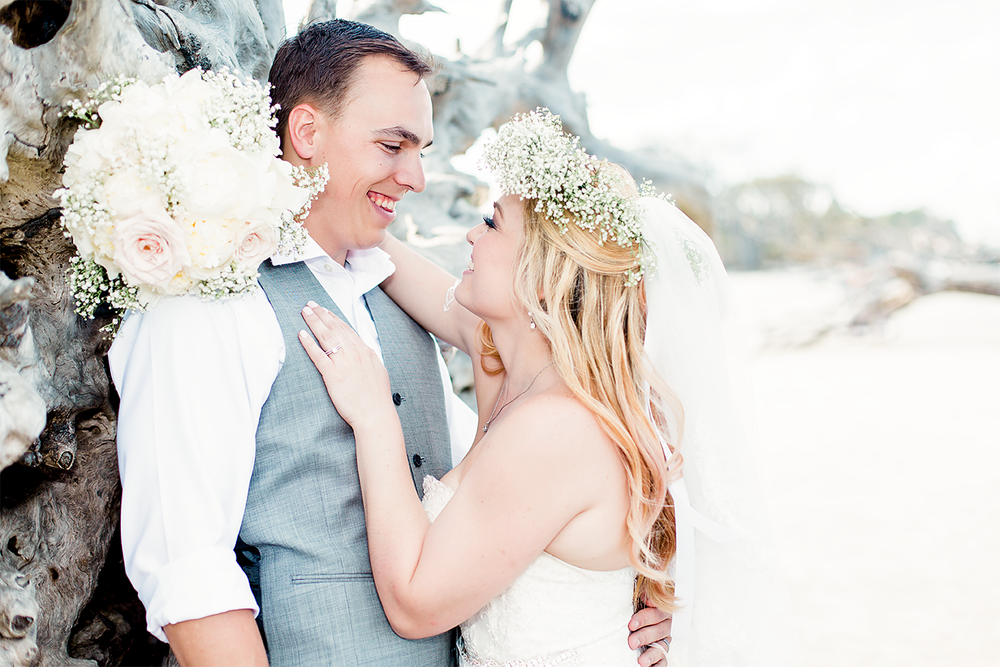 Wedding in Driftwood Beach, Jekyll Island, GA | Maris Kirs Photography | Jacksonville, Ponte Vedra and St.Augustine wedding photographer