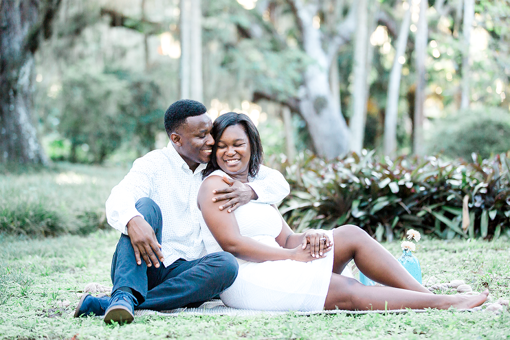 picnic style engagement session in washington oaks gardens