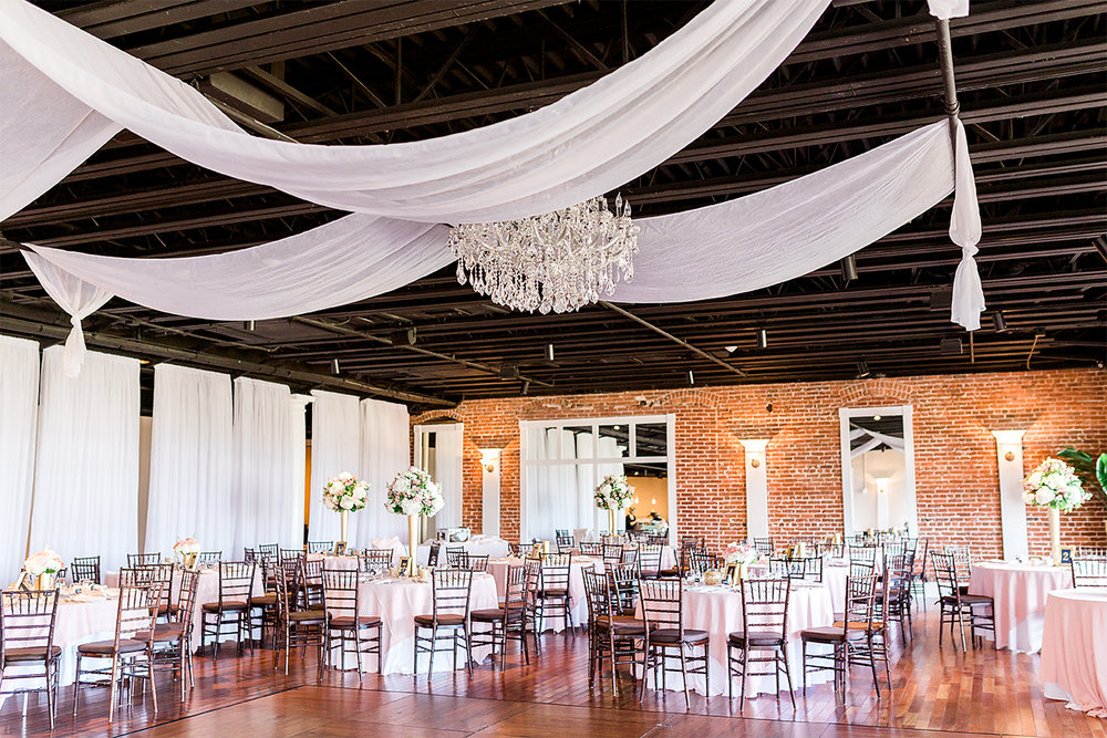 the white room wedding decor