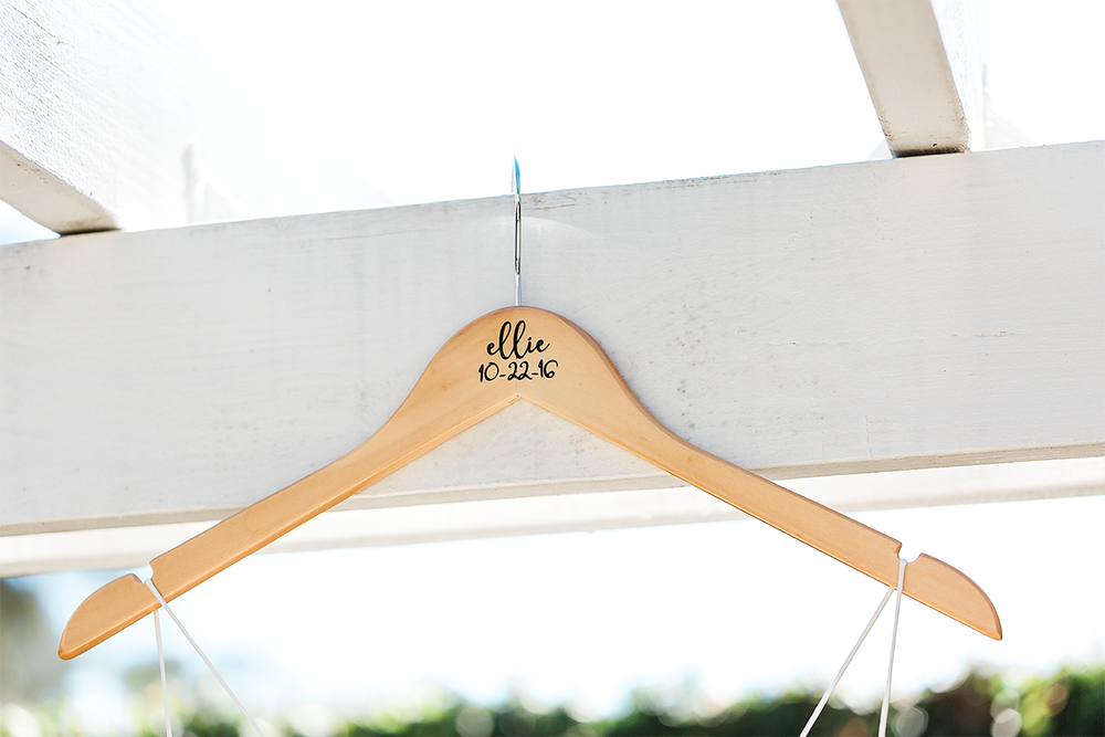 bride's hanger_wedding details.png