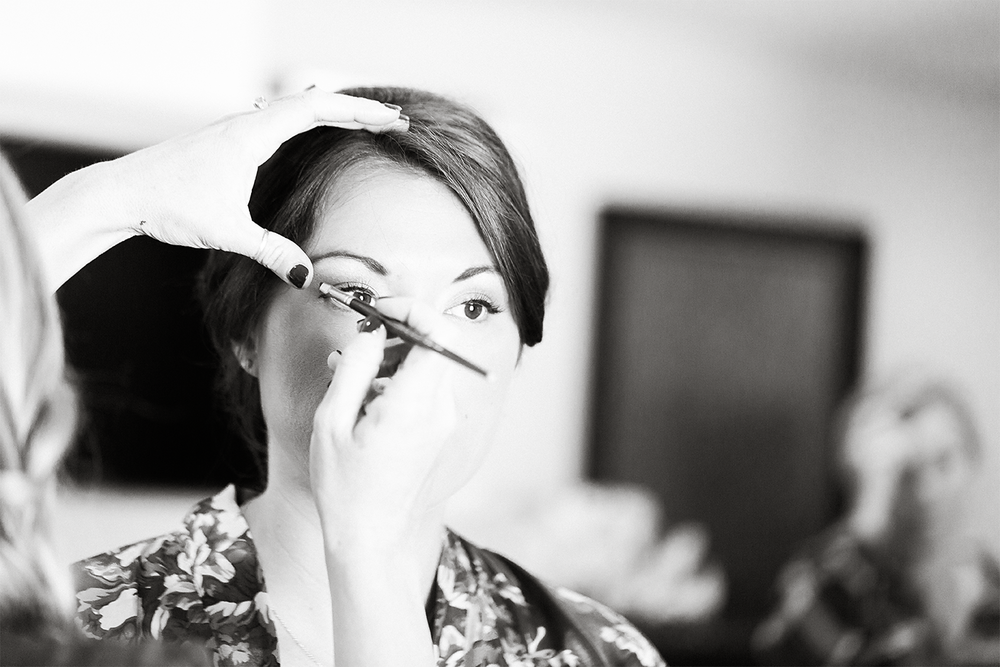 getting ready_jacksonville fl wedding photographer.png