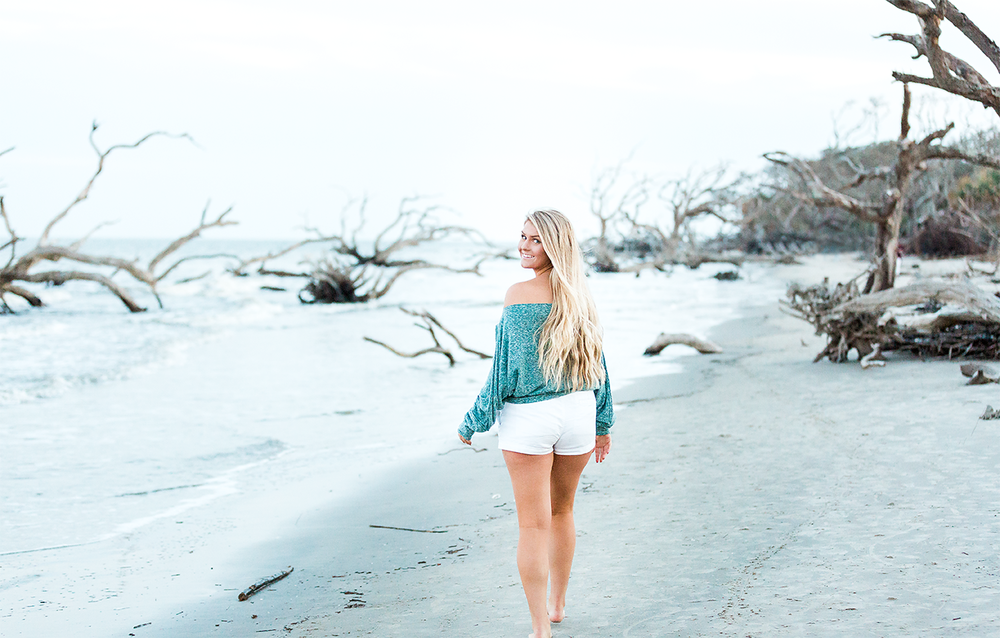 Beach senior session picture ideas