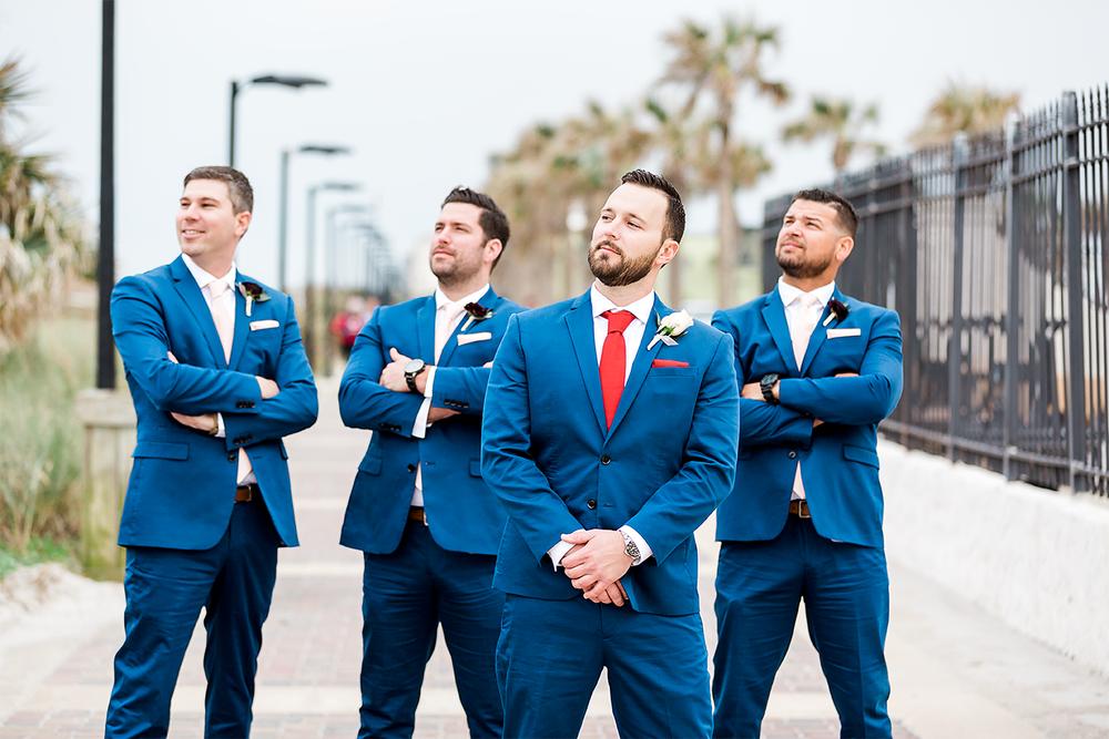 fun groom and groomsmen pictures