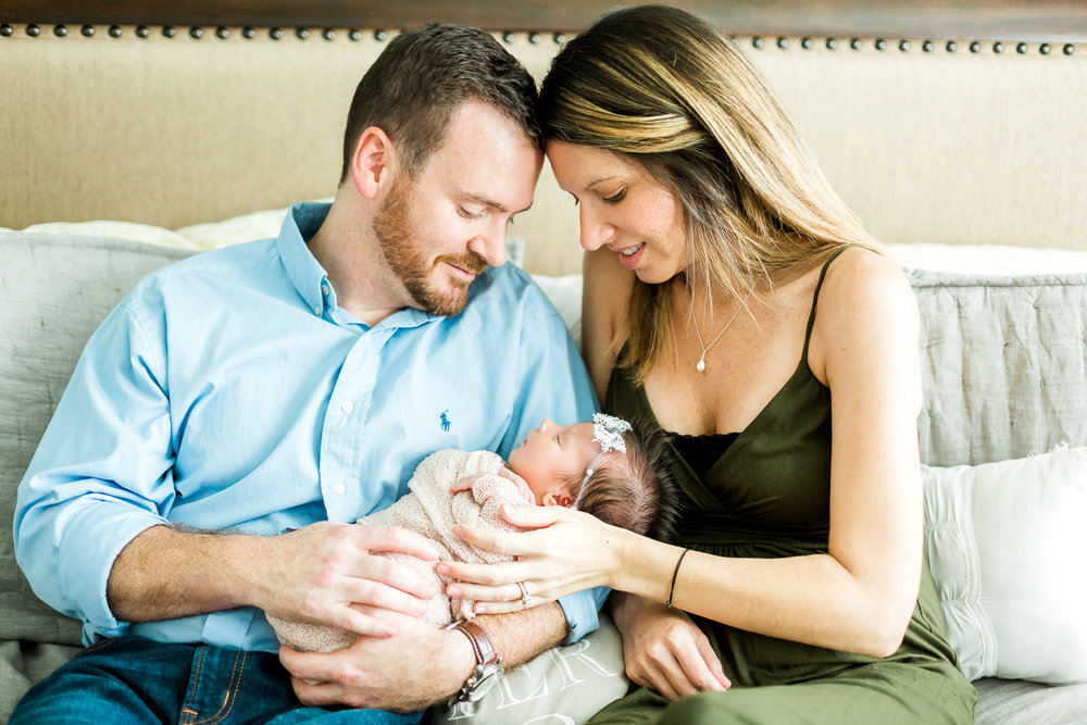 family lifestyle newborn session at home
