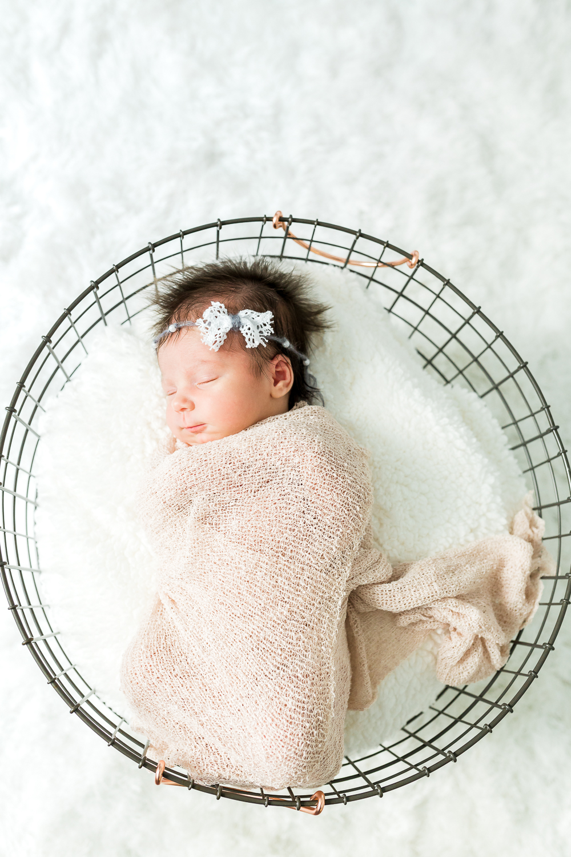 lifestyle newborn photographer in ponte vedra, fl
