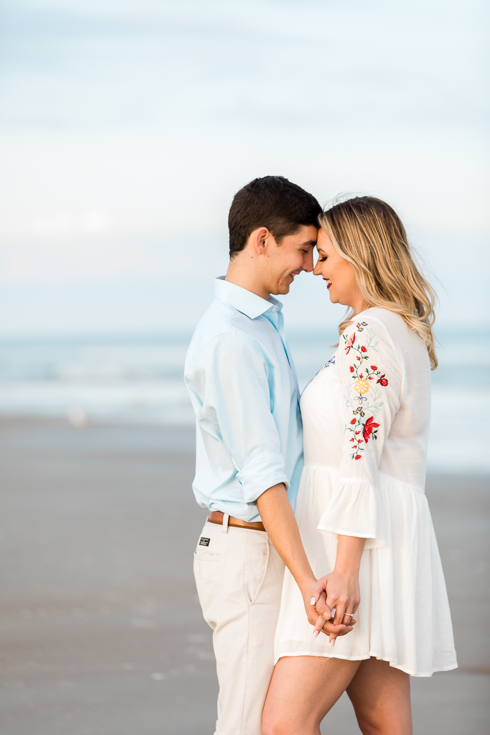 beach engagement picture ideas