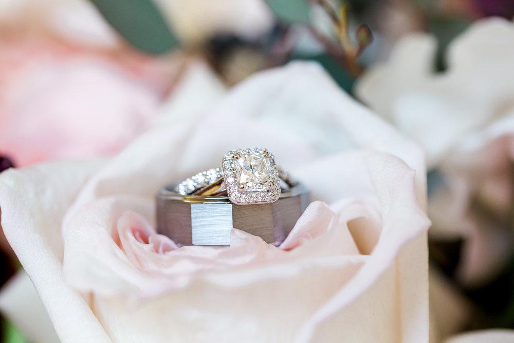 wedding rings detail photos