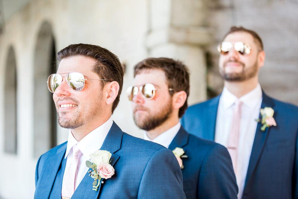 groomsmen picture ideas