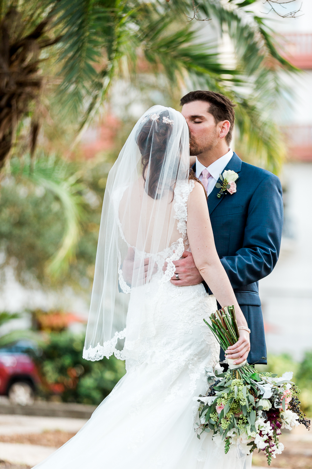 Bride and groom portraits in the streets of St.Augustine