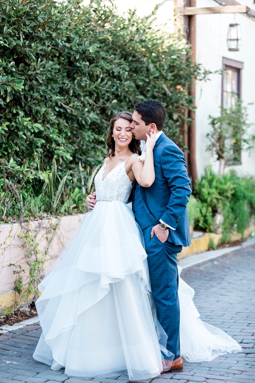 Wedding day posing ideas