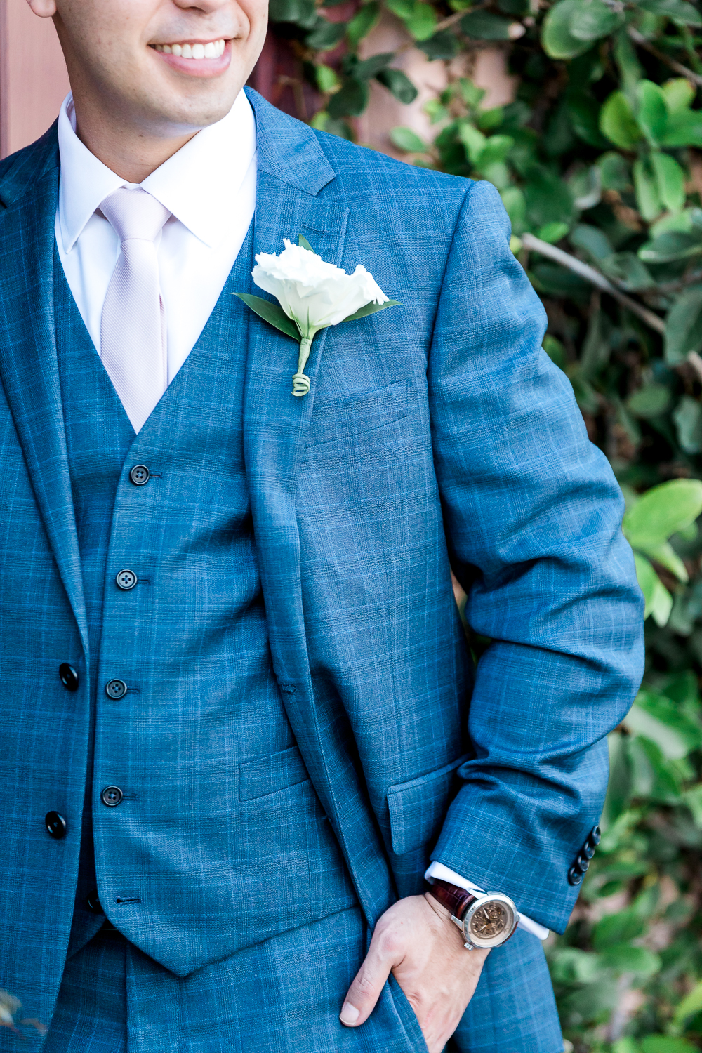 Detail shots of the groom