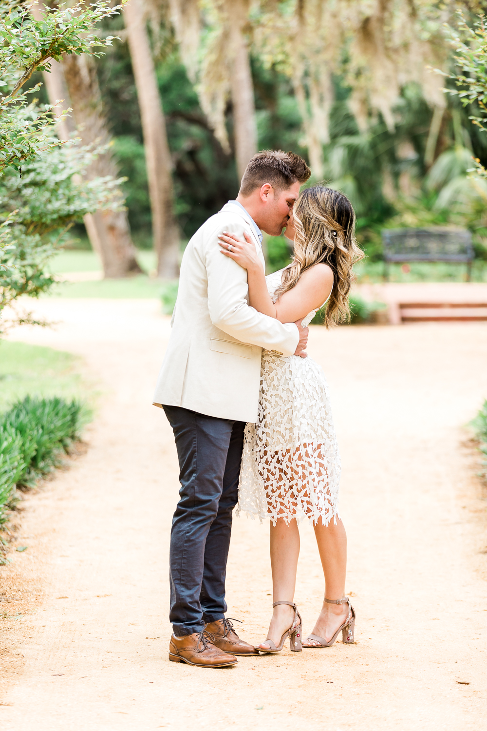 Styling guide and outfit ideas for an engagement session