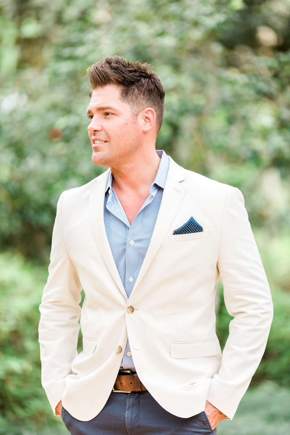 Styling guide for men for engagement pictures