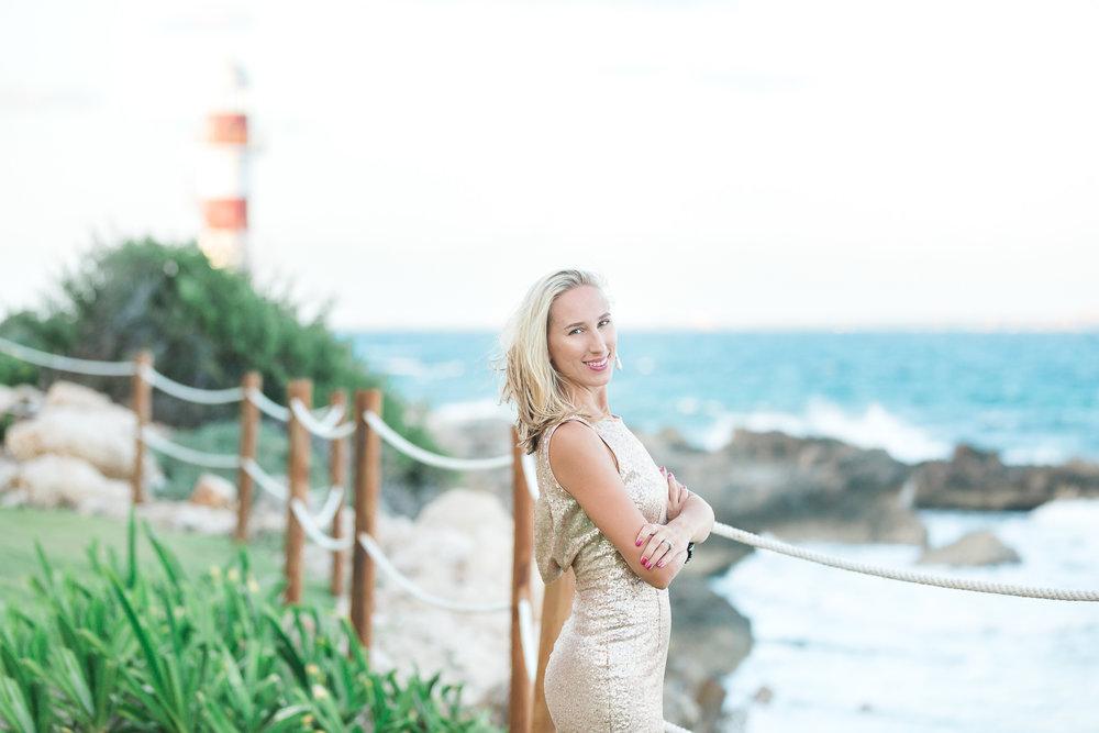 Matte rose gold sequin maxi dress - size XS  $20