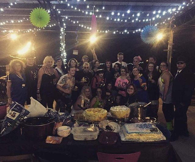 Sixteen Bruises party goers ♡ End of season Bash  #dothanrollerderby #wiregrasswreckers #endofseasonbash #rollerderbyparty #80sbash #folklorebrewery #totally80s #partyon