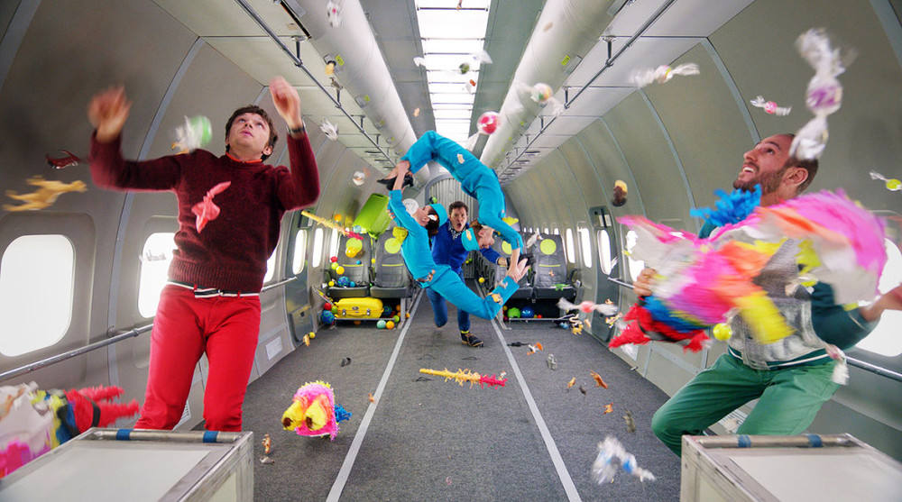 Así de épico es el video grabado en gravedad cero por la banda OK Go.