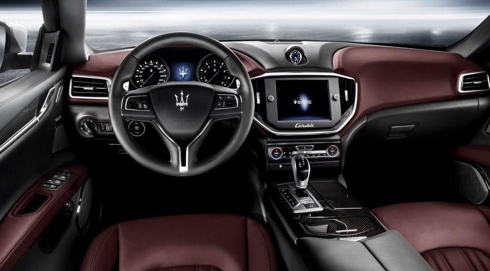 2015-Maserati-Levante-SUV-inside.jpg
