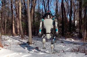 El futuro cada vez más cerca con el increíble Robot de Boston Dynamics. No sabemos si sonreír o espantarnos.