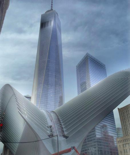 No, no son escenas de una película futurista. Es la nueva estación de trenes en NY.