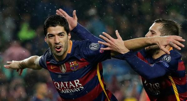 Luis Suárez festeja el segundo gol del equipo azulgrana