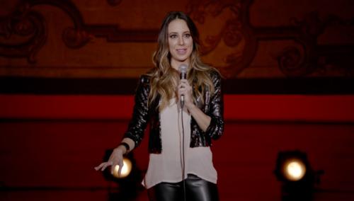 Sofía Niño de Rivera estrena comedia Stand Up. Dátela ahora mismo. A la comedia.