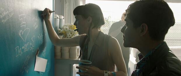Rooney Mara y Neon Indian
