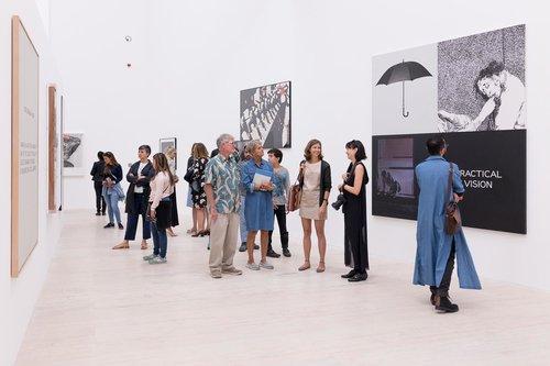 Aprender a leer con John Baldessari: exposición temporal en el Museo Jumex
