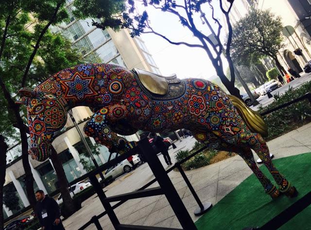 Arte Huichol en Paseo de la Reforma 1.jpg