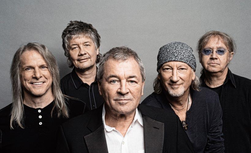 Deep Purple (viernes) - Junto con Black Sabbath, pulieron el sonido tan peculiar que hoy conocemos como Heavy Metal. Sus canciones son tan relevantes que siguen estando vigentes sin que nos demos cuenta: comerciales publicitarios, películas, videojuegos, etc. Su legado perdurará por siempre. Es un privilegio tenerlos una vez más en nuestro país, así que hay que aprovecharlos porque no sabemos si esta será la última vez.