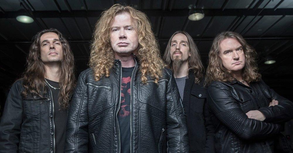 Megadeth (sábado) - Se han caracterizado por ser la agrupación más constante del trash metal, y a pesar de cambiar de alineaciones constantemente, nunca han dejado de recorrer el mundo en sus giras ni se han olvidado de sacar material nuevo constantemente. Uno de los países donde más fanáticos tienen es en este país. Dave Mustaine siempre ha demostrado el cariño que le tiene a sus fans en nuestro territorio, dándoles la oportunidad de apreciarlos con gran frecuencia.