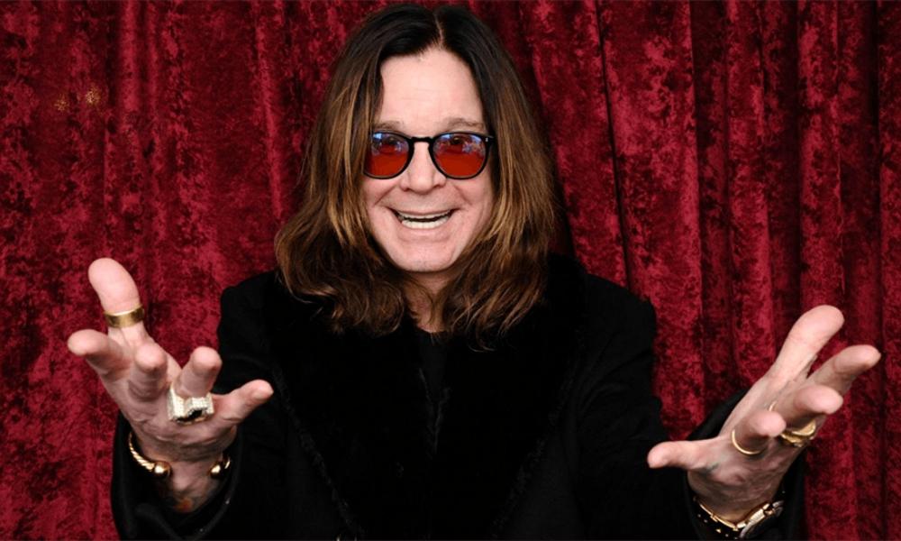 Ozzy Osbourne (sábado) - A sus 69 años, Ozzy acaba de anunciar recientemente su retiro de los escenarios. Así que para los que no han tenido oportunidad de verlo, váyanse preparando para ver por primera y última vez a la leyenda viviente: el frontman más importante que ha entregado el metal en todos los tiempos.
