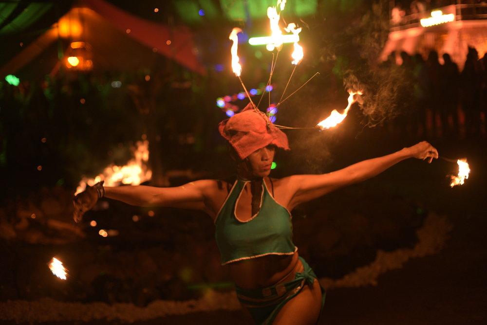 Baile Fuego AKBAL 1.JPG