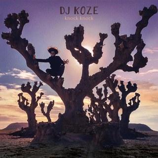 Knock Knock - Dj Koze - Desde Alemania, Koze nos comparte su tercer álbum de estudio. Knock Knock es una mezcla heterogénea entre sonidos inorgánicos que pudiesen confundirse con percusiones selváticas y sintetizadores veloces que evocan a Modjo.