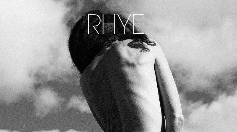 18. Rhye - Blood - Michael Milosh es un verdadero genio de la composición. Blood mantiene un perfil sensual y apasionado, de tonos aterciopelados instrumentales, violas dulces, pianos eléctricos, guitarras funk y nostalgia inevitable.
