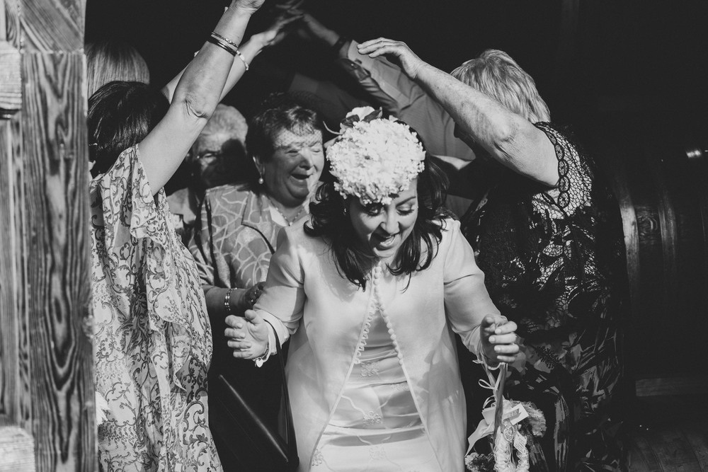 1601_Marnie Hawson Melbourne wedding photographer_150.jpg
