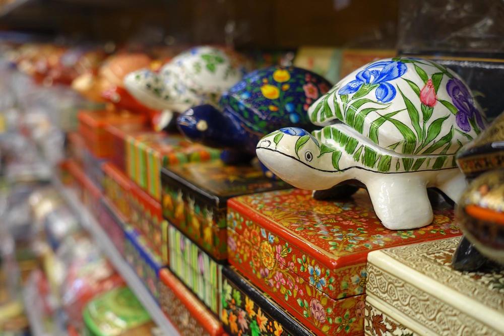 trinkets in delhi