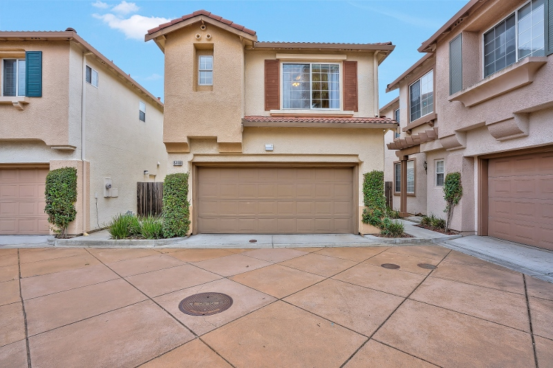 Sold at $680,000<strong>15490 Goldeneye Court, San Leandro</strong>