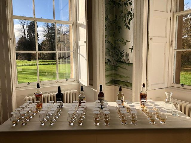 Whiskies from around the world, on a sunny day in Scotland. // @edinburghwhiskyacademy // @uzkeba